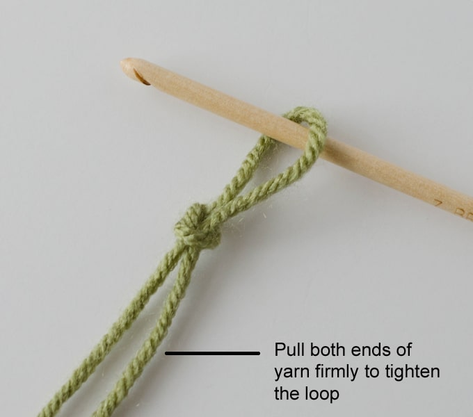 Knitting Stitch Like A Knot Crossword : Slip Knot, Chain and Slip Stitch - Crochet 365 Knit Too