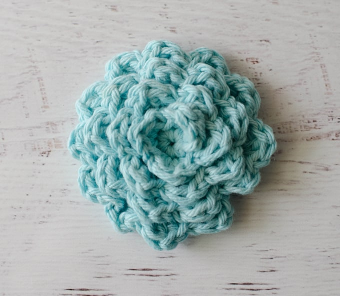 Love this beautiful crochet face scrubbies pattern