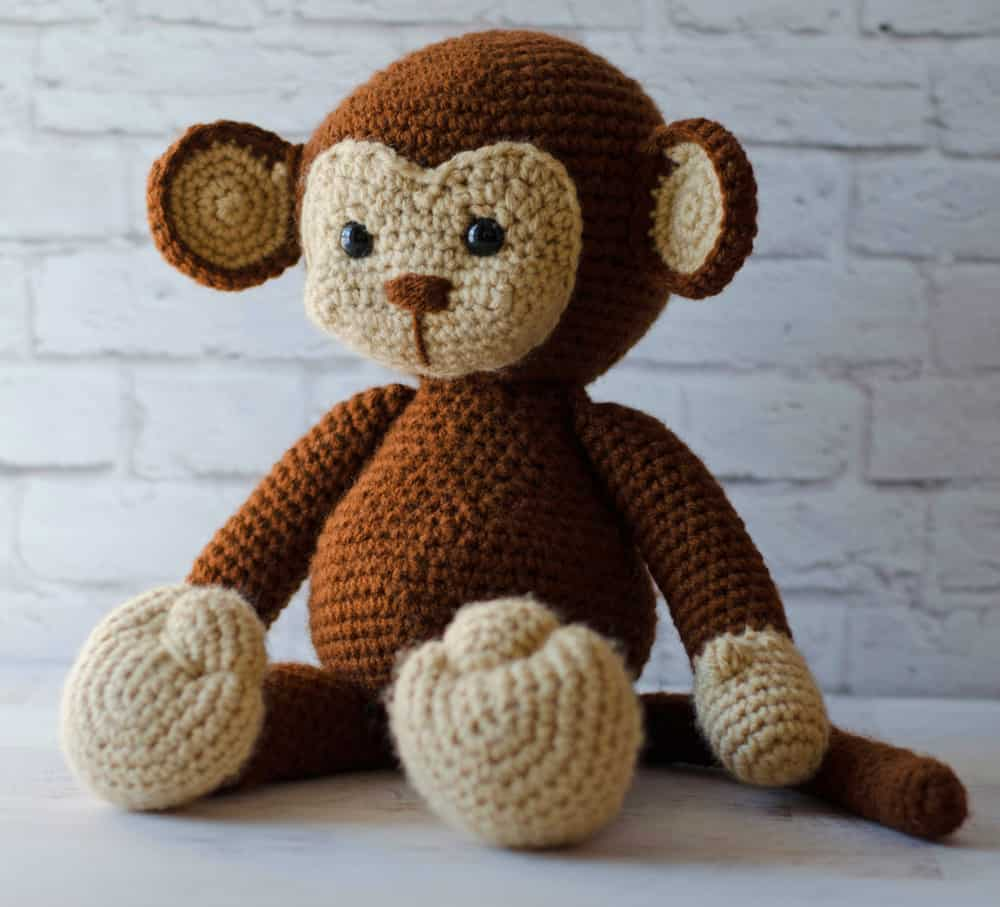 Cuddle Me Monkey amigurumi pattern - Amigurumi Today | 907x1000