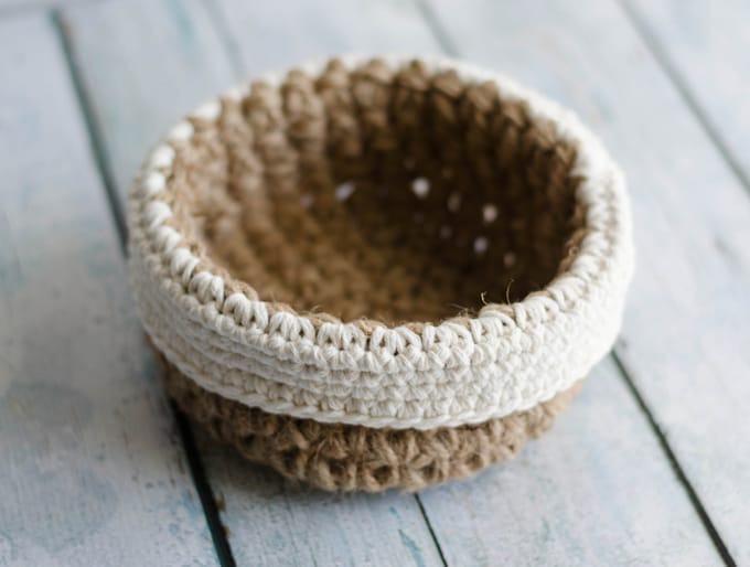 Round Jute Basket from Top