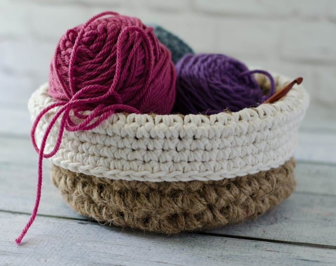 crochet round jute basket