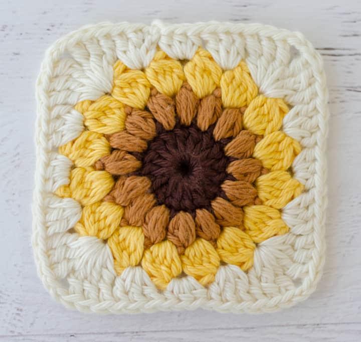 Sunburst Granny Square in sunflower colors