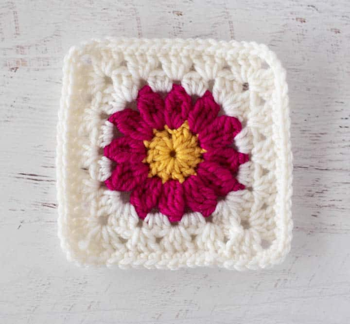 granny square flower in pink and white
