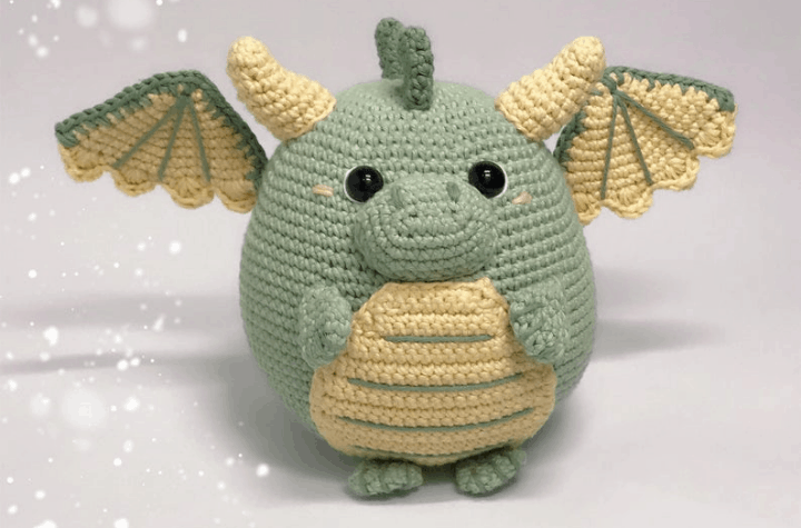crochet ball-shaped dragon amigurumi