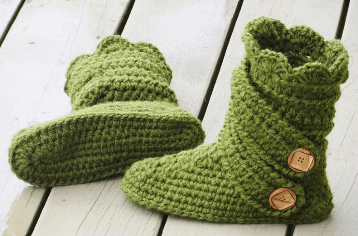 crochet slipper boots with buttons