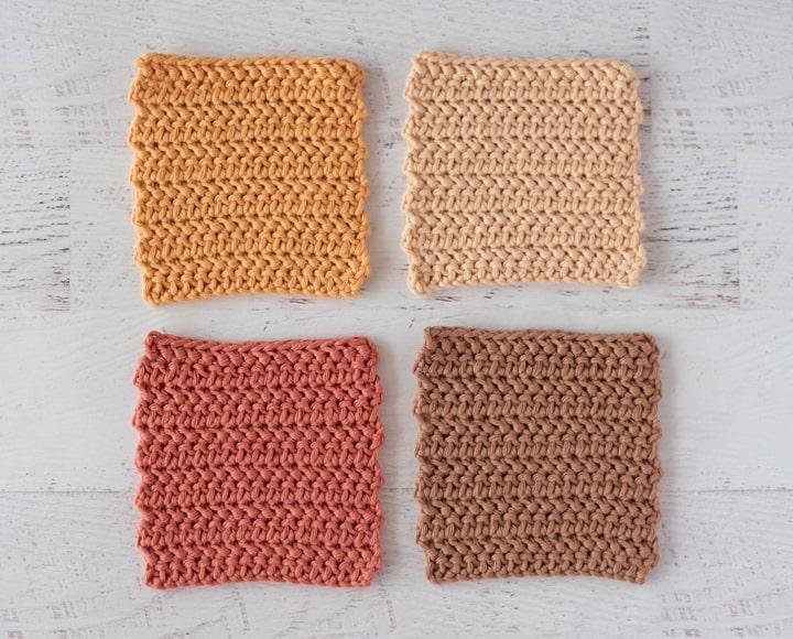 Posavasos de cuatro ganchillo en colores dorado, crema, óxido y marrón